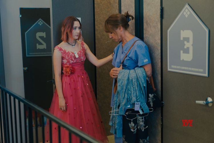 lady-bird-movie-stills-6